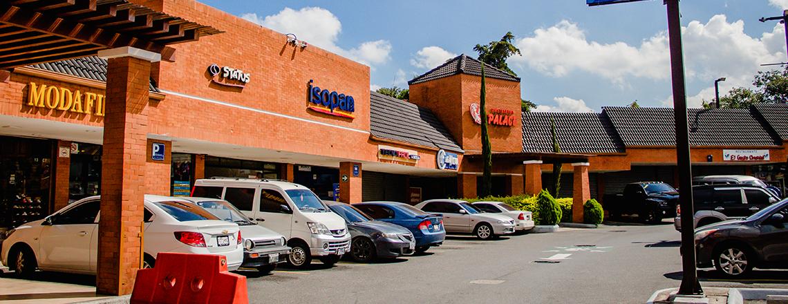 Centro Comercial Metrosur sobre Aguilar Batres